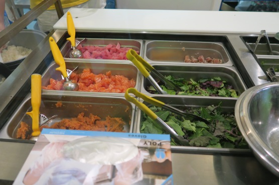 Choose a base of mixed greens, then choose your fish! You get three scoops and can min 'n match